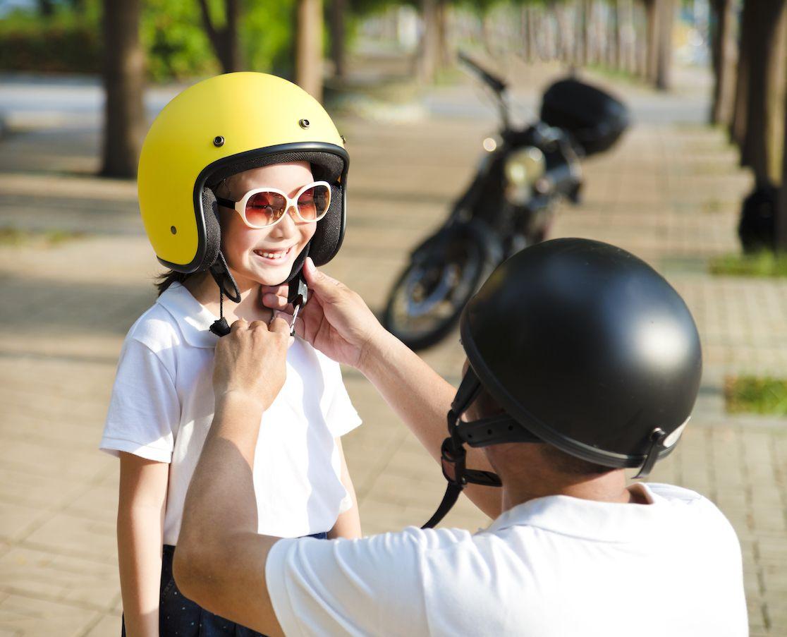 Sécurité casque moto pour enfant